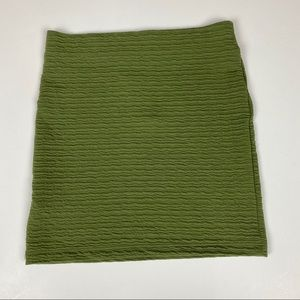 NWT Sz 6 Topshop green skirt.